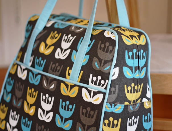 Amy Butler weekender in Tulip fabric