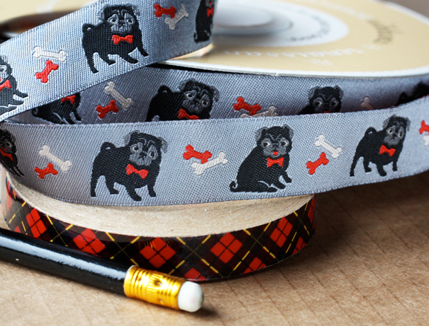 Cute pug ribbon design
